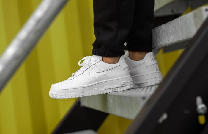 Как ухаживать за белыми кедами и кроссовками